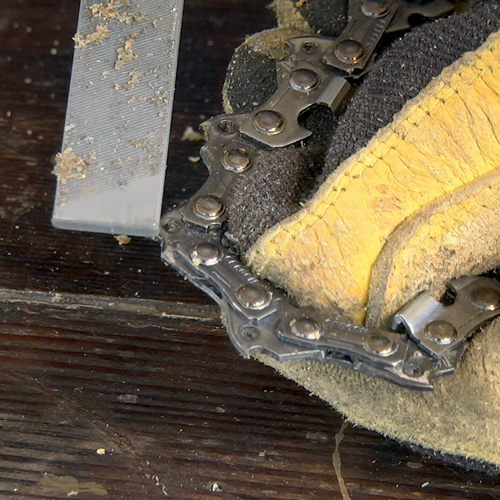 Maintaining Chainsaw Chain